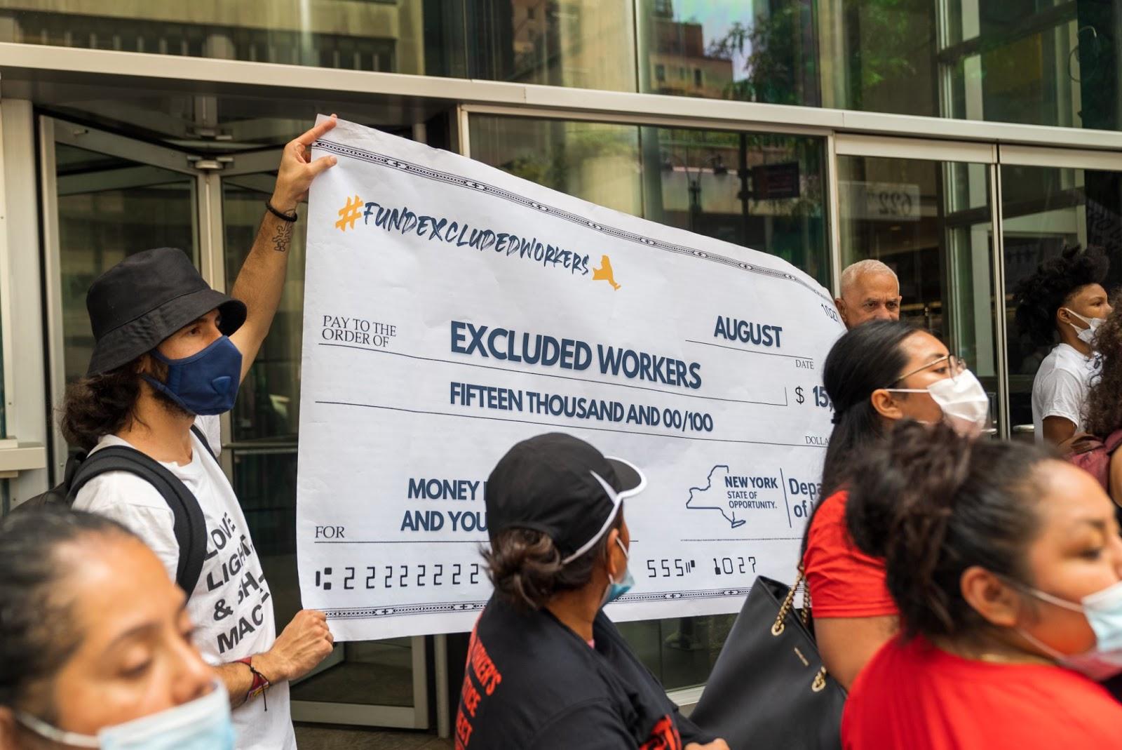 Documented, junto con Make the Road, organizó una sesión en vivo donde respondimos las preguntas sobre el fondo para trabajadores excluidos (excluded workers fund).